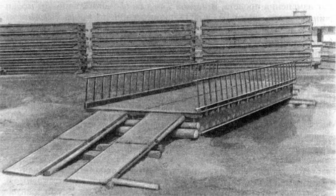Моста из прокатных балок, фото из учебника.