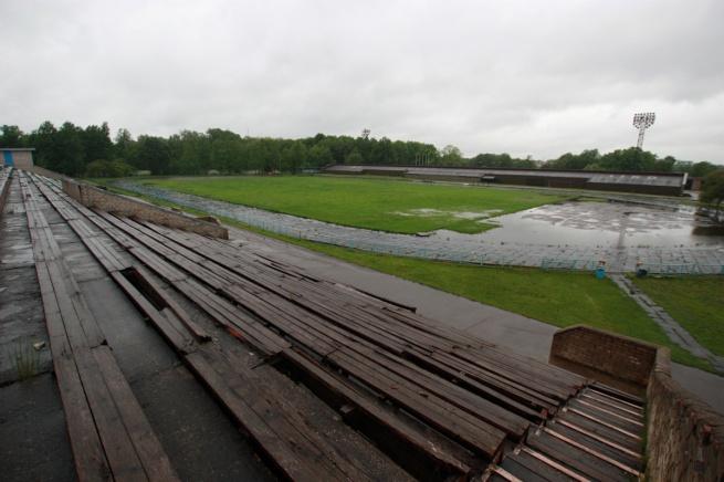 Прошлогоднее состояние стадиона. © Фото из архива портала «Новгород.ру»