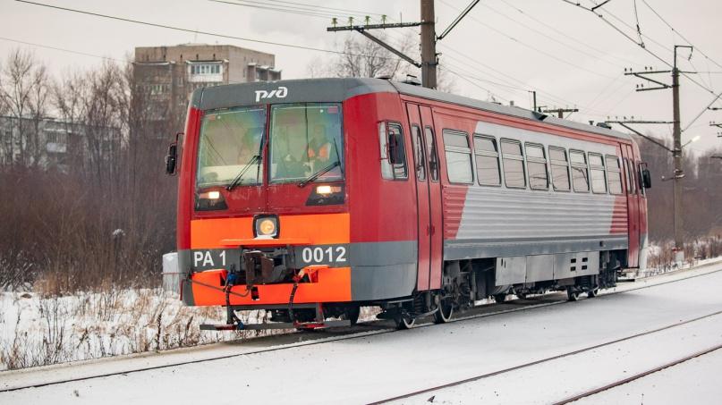 Рельсовый автобус РА1-0012.