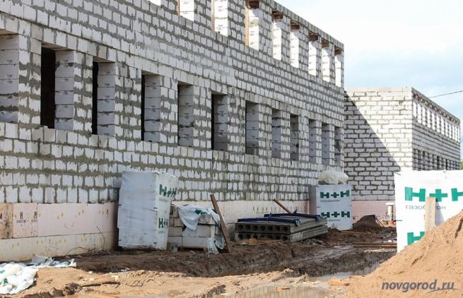 Строительство домов в Деревяницах. © Фото из архива интернет-портала «Новгород.ру»