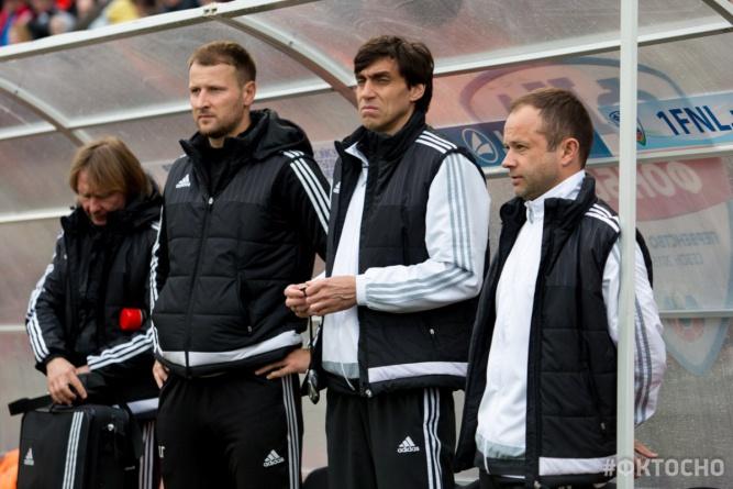 Юрий Ковтун (второй справа). © Официальное сообщество ФК «Тосно»