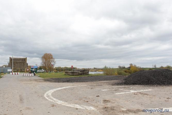 Начало велодорожки от станции первого подъёма до Юрьево вдоль берега Волхова.