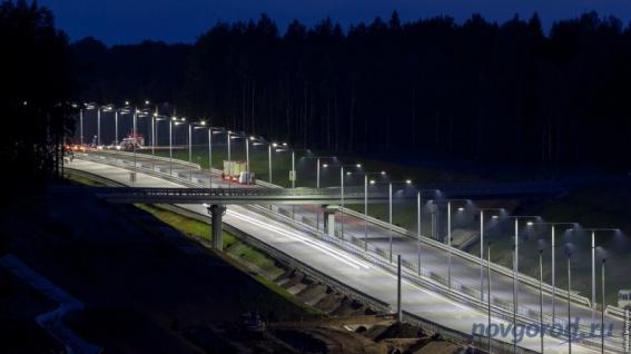 В Окуловском районе на М11 временно нет освещения