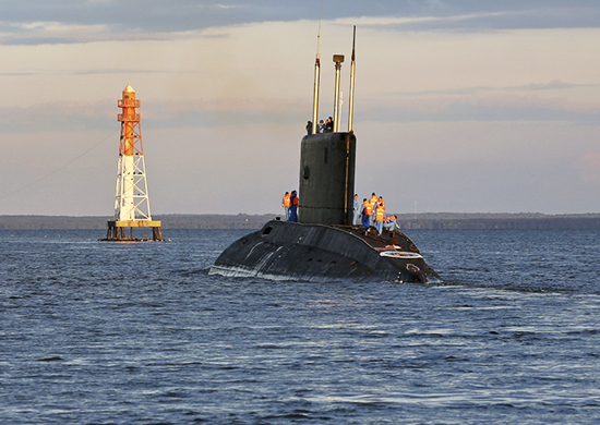 Подлодка «Великий Новгород» впроцессе  учения удачно  одолела  минные ограждения