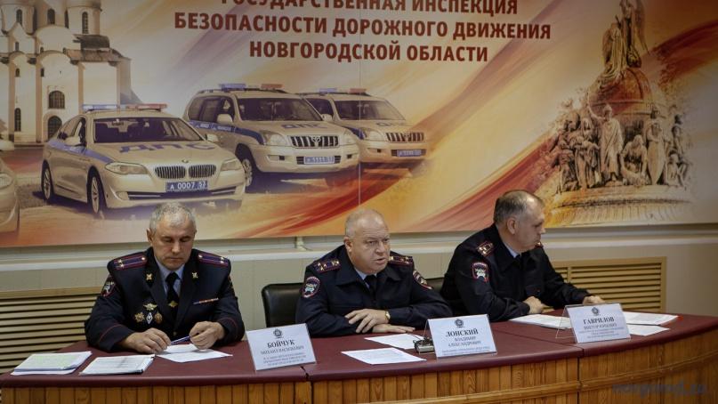 Владимир Лонский (в центре). © Фото из архива интернет-портала «Новгород.ру»