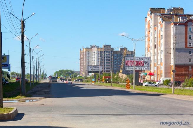 """Улица Псковская в районе ТЦ """"Лента""""."""