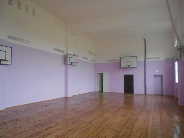 Обновленный спортивный зал школы в д. Сырково. © Фото с сайта edu53.ru