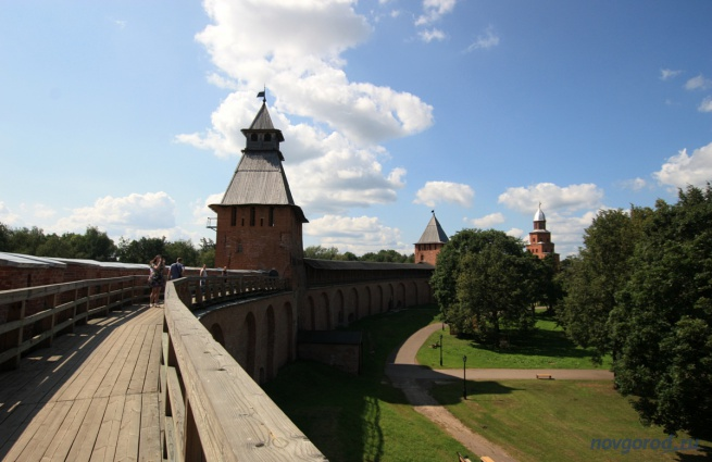 """Вид на Спасскую башню. © Фото из архива интернет-портала """"Новгород.ру"""""""