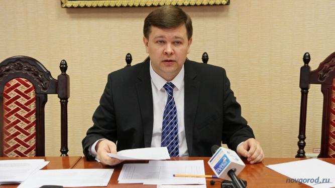 и.о. ректора НовГУ Юрий Боровиков.