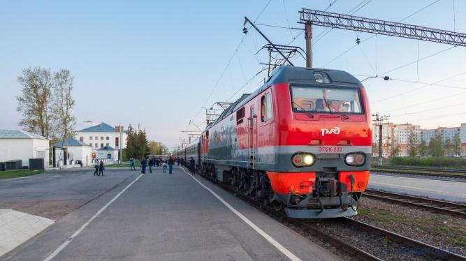 Поезд №42 Великий Новгород — Москва.