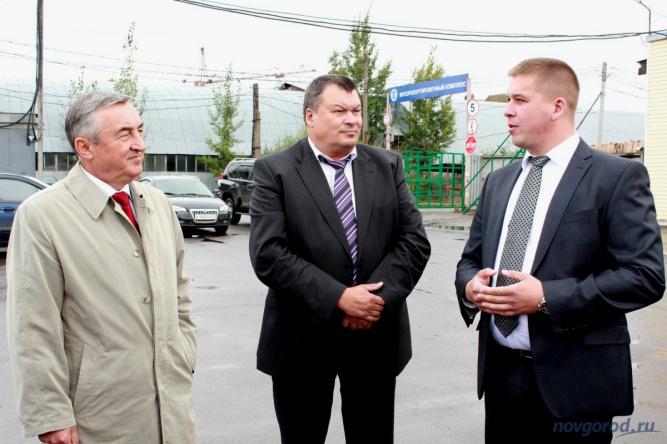 Александр Уткин (в центре). © Фото из архива интернет-портала «Новгород.ру»