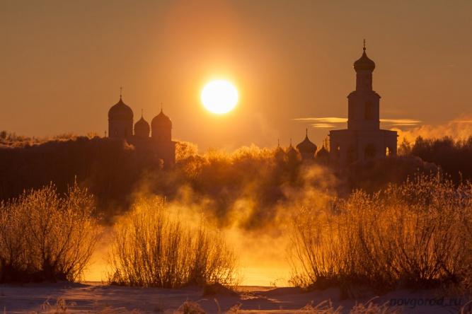 Юрьевский монастырь в морозный день. © Фото из архива интернет-портала «Новгород.ру»