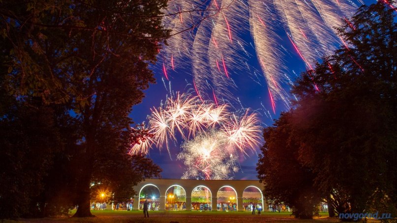 Фейерверк на Дне города в 2019 году. © Фото из архива интернет-портала «Новгород.ру»