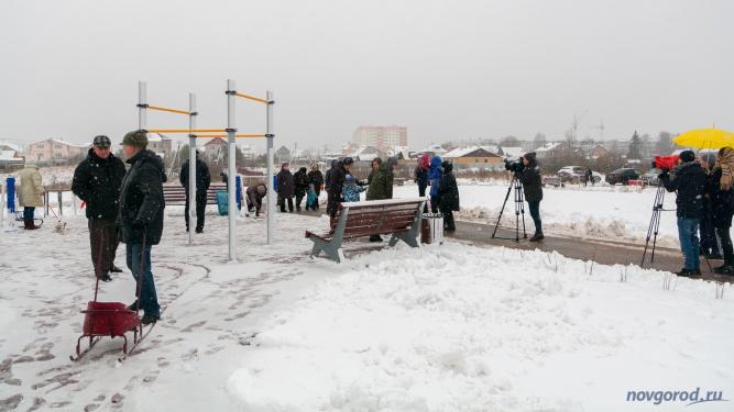 В 2017 году благоустроенный парк рядом с рекой Веряжа в Великом Новгороде открыли 1 декабря. Фото из архива интернет-портала «Новгород.ру» ©