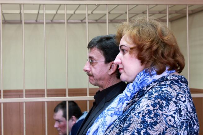Пострадавшая Светлана Филиппова, её адвокат и Николай Фёдоров.