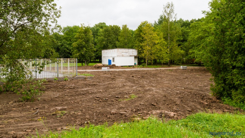 Спортивная площадка будет расположена в месте, где раньше был скейт-парк. © Фото из архива интернет-портала «Новгород.ру»
