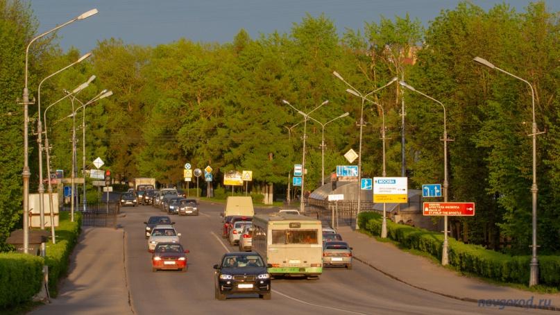 Съезд с моста Александра Невского на ул. Фёдоровский ручей.