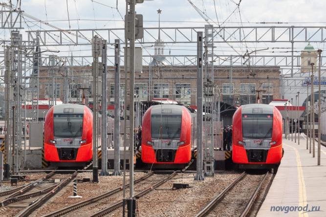 """""""Ласточки"""" на Ленинградском вокзале Москвы."""