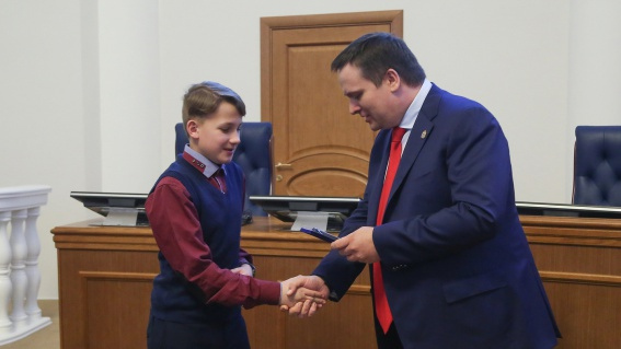 Пятиклассник из Окуловского района награждён медалью «Новгородская слава»