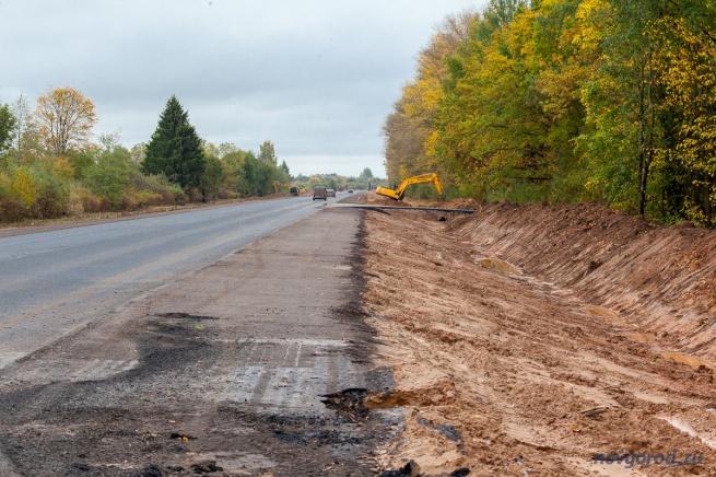 Капитальный ремонт автодороги Р-56 в Солецком районе.