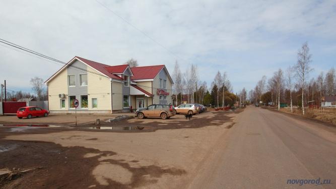 Магазин в посёлке Неболчи. Фото из архива интернет-портала «Новгород.ру» ©