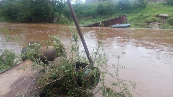Разрушенный мост в деревне Заволонье (Крестецкого района). © Любовь Нуреева