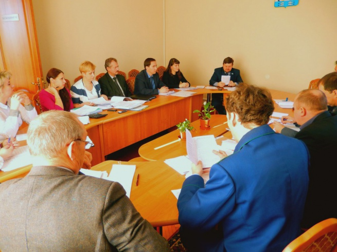 Обсуждение проекта на комиссии городской думы. © Фото пресс-центра думы Великого Новгорода