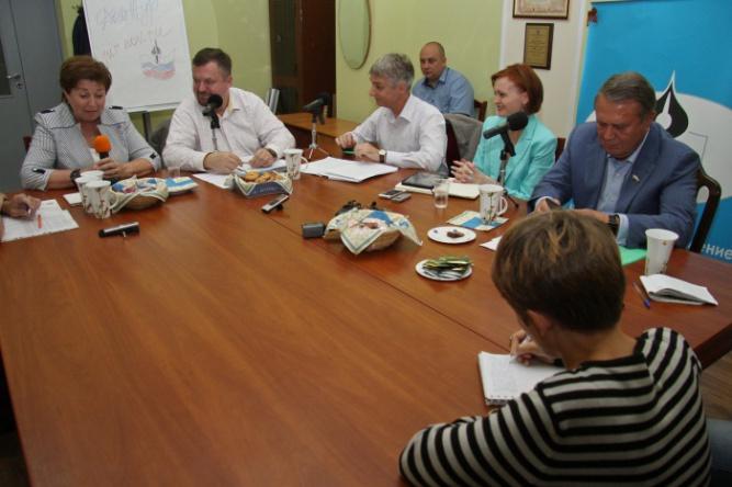 Пресс-клуб в Доме журналистов. © Фото Александра Басуна с сайта jur.nov.ru