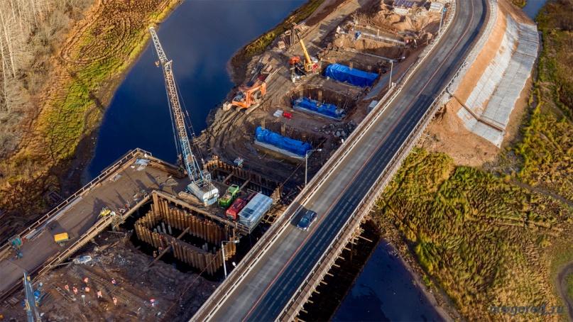 Строительство нового моста через реку Веронда.