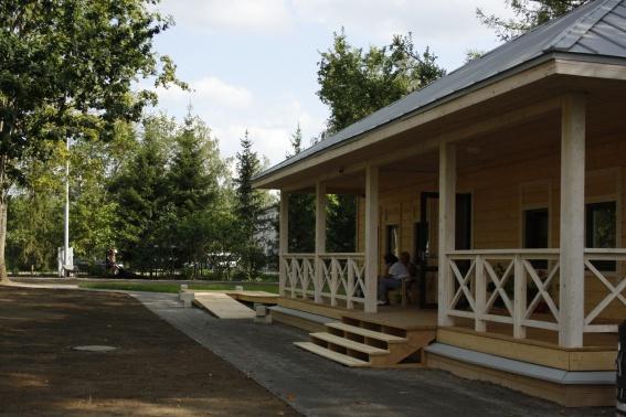 Благоустройство территории Дома-музея Некрасова в Чудово почти завершено