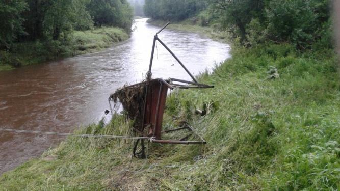 Мост в деревне Заволонье 1 июля. © Александр Строчков