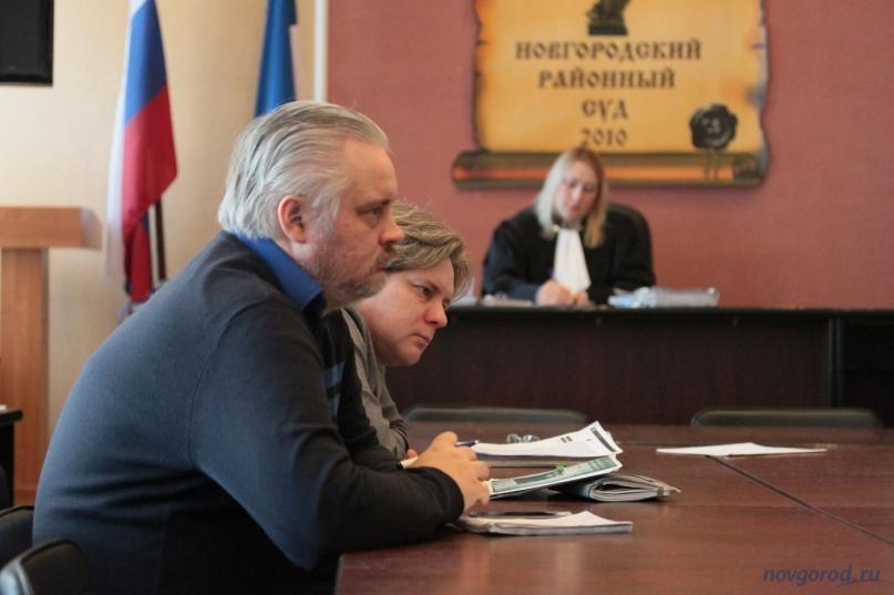 Главный редактор издания «53 новости» Томас Томмингас и руководитель ОГАУ «АИК» Сергей Бондаренко.