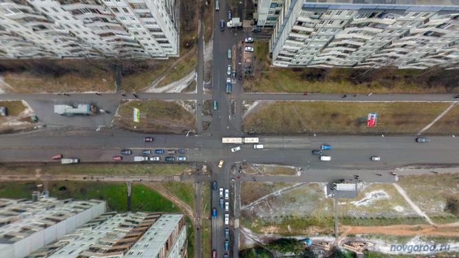 Перекрёсток улиц Кочетова и Зелинского в Западном районе.