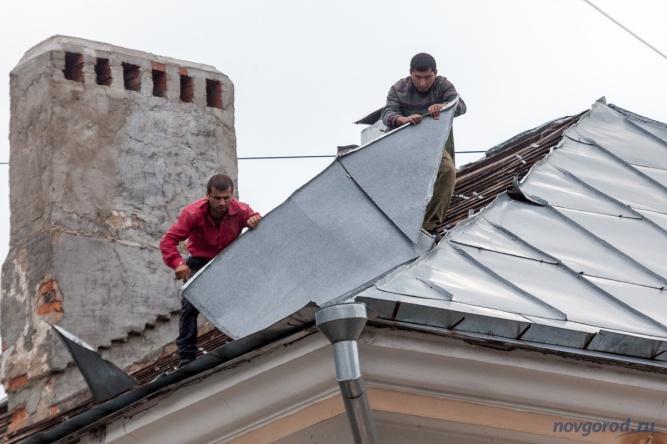 Капитальный ремонт крыши дома №18 по улице Предтеченская.