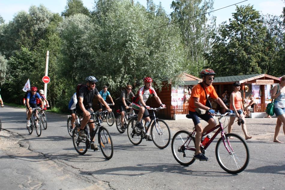 Австралийские велосипедисты после пробега по Новгородчине: «Пожалуйста, почините дороги!» 3684
