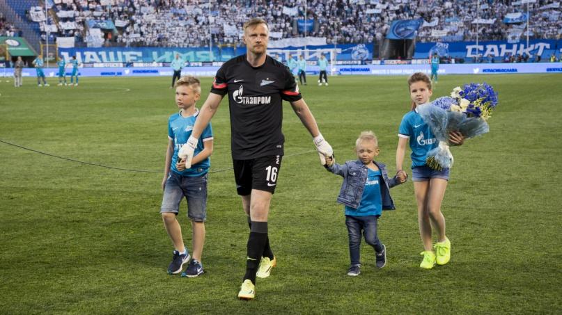 Вячеслав Малафеев во время прощального матча (2016 год). © fc-zenit.ru