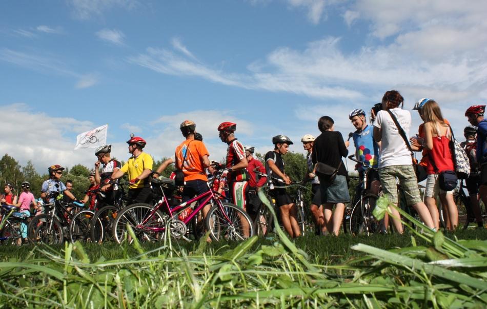 Австралийские велосипедисты после пробега по Новгородчине: «Пожалуйста, почините дороги!» 3686