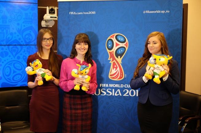 Финалистки конкурса талисманов (Софья Подлесных слева). © Официальный Twitter ЧМ-2018 по футболу