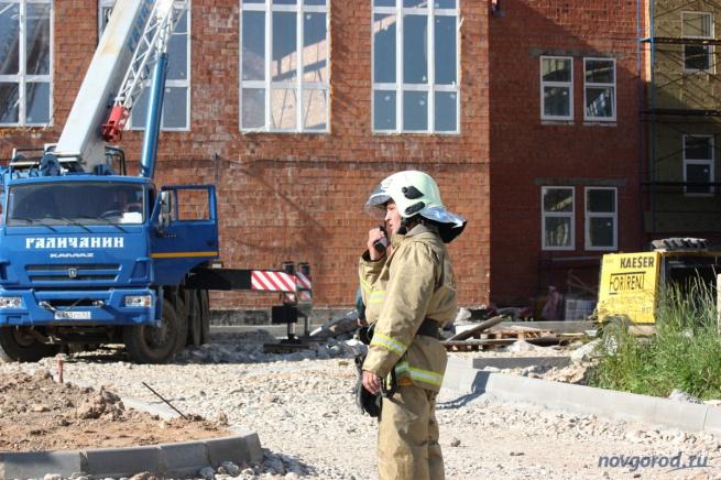 Здание на Сырковском шоссе, где рухнула крыша. © Фото из архива интернет-портала «Новгород.ру»