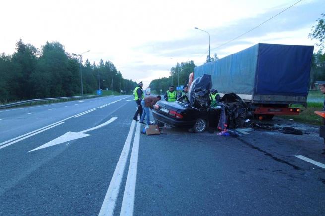 ДТП близ д. Зайцево. © Фото предоставлено пресс-службой УГИБДД УМВД по Новгородской области