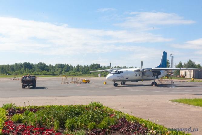Ан-24 авиакомпании «Псковавиа» в аэропорту Пскова. © Фото из архива интернет-портала «Новгород.ру»