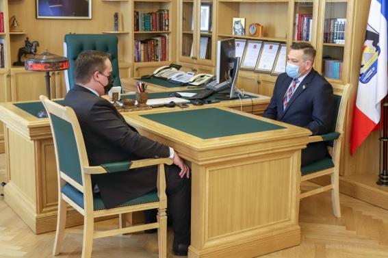Губернатор предложил думе Великого Новгорода перенять опыт «правительственных часов»