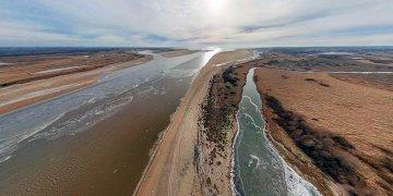 Исток реки Волхов, озеро Ильмень, Юрьев Монастырь и Перынский скит. Рекордно низкий уровень воды.