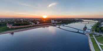 Панорама: Новгородский кремль на закате