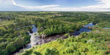 Панорама: Река Луга и деревня Мойка Батецкого района
