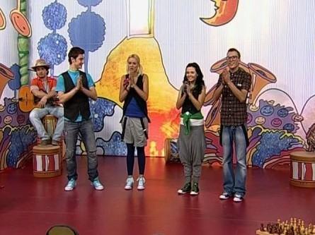 Голосуй за лучший клип Детской Десятки с Яной Рудковской!