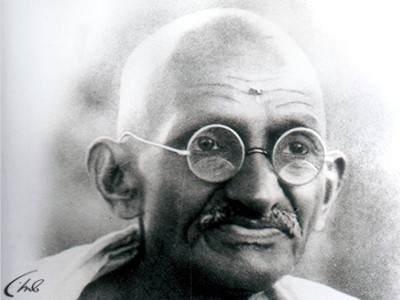 gandhi lifestyle Gandhi's autobiography, which he had titled 'my experiments with truth' can be rated as one of the most popular and the most influential books in the recent history it was written at the instance of swami anand it appeared in the weekly 'navjivan' during 1925-28 it covers gandhi's life up to 1920.
