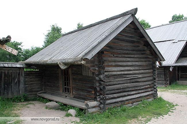 Амбар Алексеевой Нины Сегеевны из д. Хвощник Боровического района
