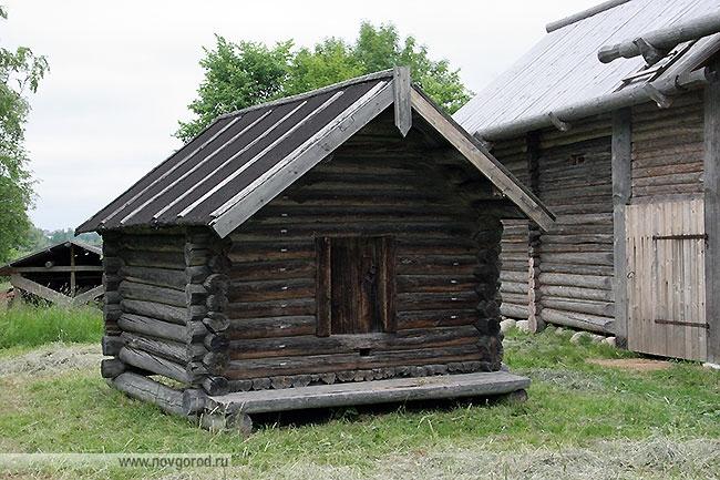 Житница Смирнова Михаила Дмитриевича из деревни Борихино Пестовского района